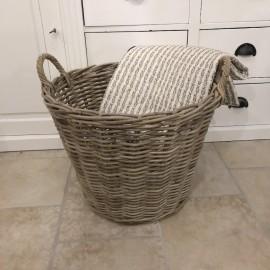 Stor rund fletkurv i rattan