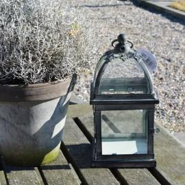 Firkantet lanterne i jern fra La Vida - H21