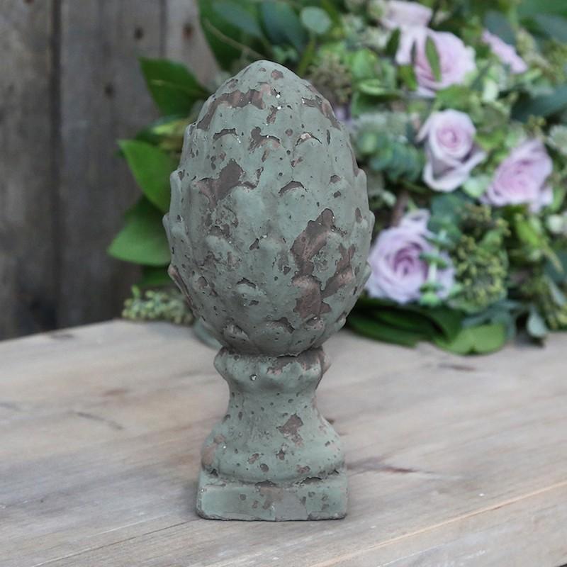 Dekor / kogle på fod i cement - 20 cm